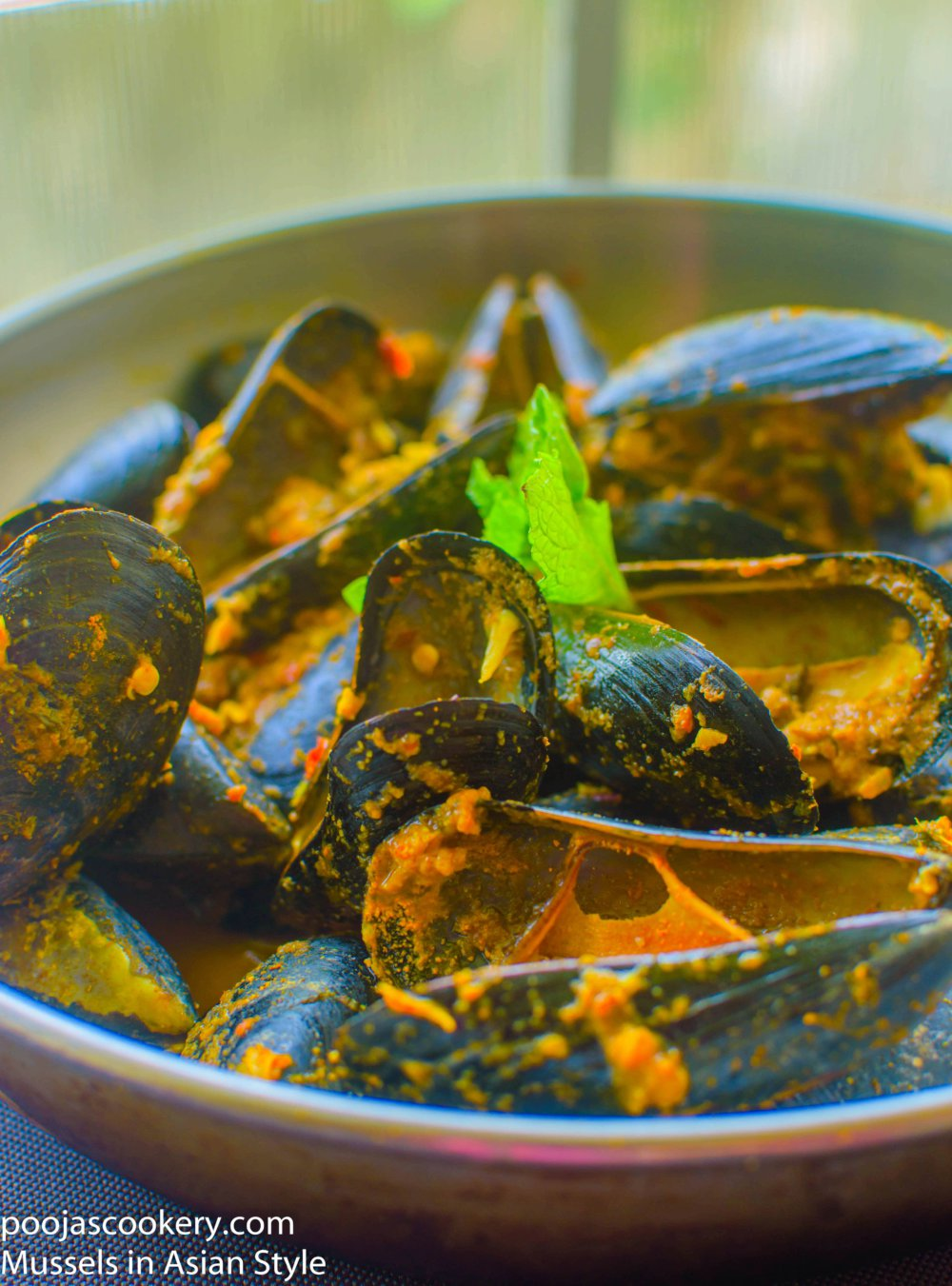Mussels in Asian Style